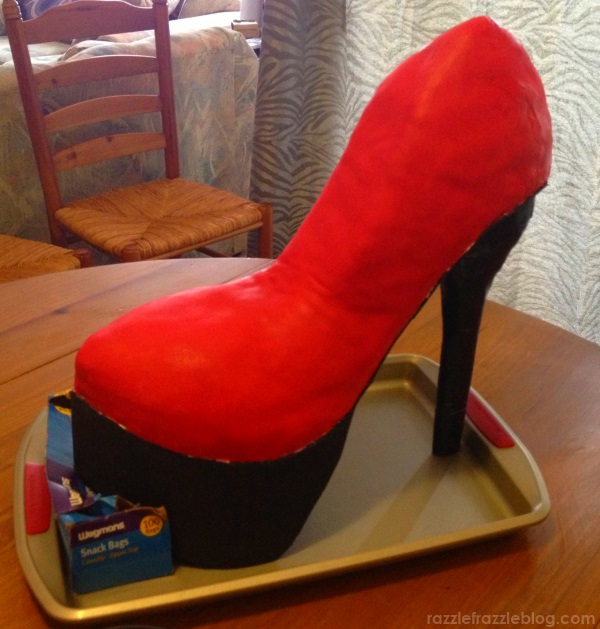 DIY Shoe Cake - Razzle Frazzle (4)