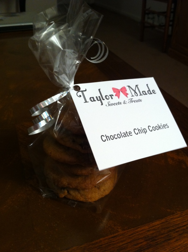 Taylor-Made-Holiday-Basket-Chocolate-Chip-Cookies