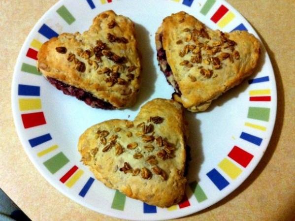 Raspberry Granola Scones (RazzleFrazzleBlog.com)